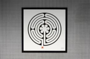 Labyrinthine Art on the Underground